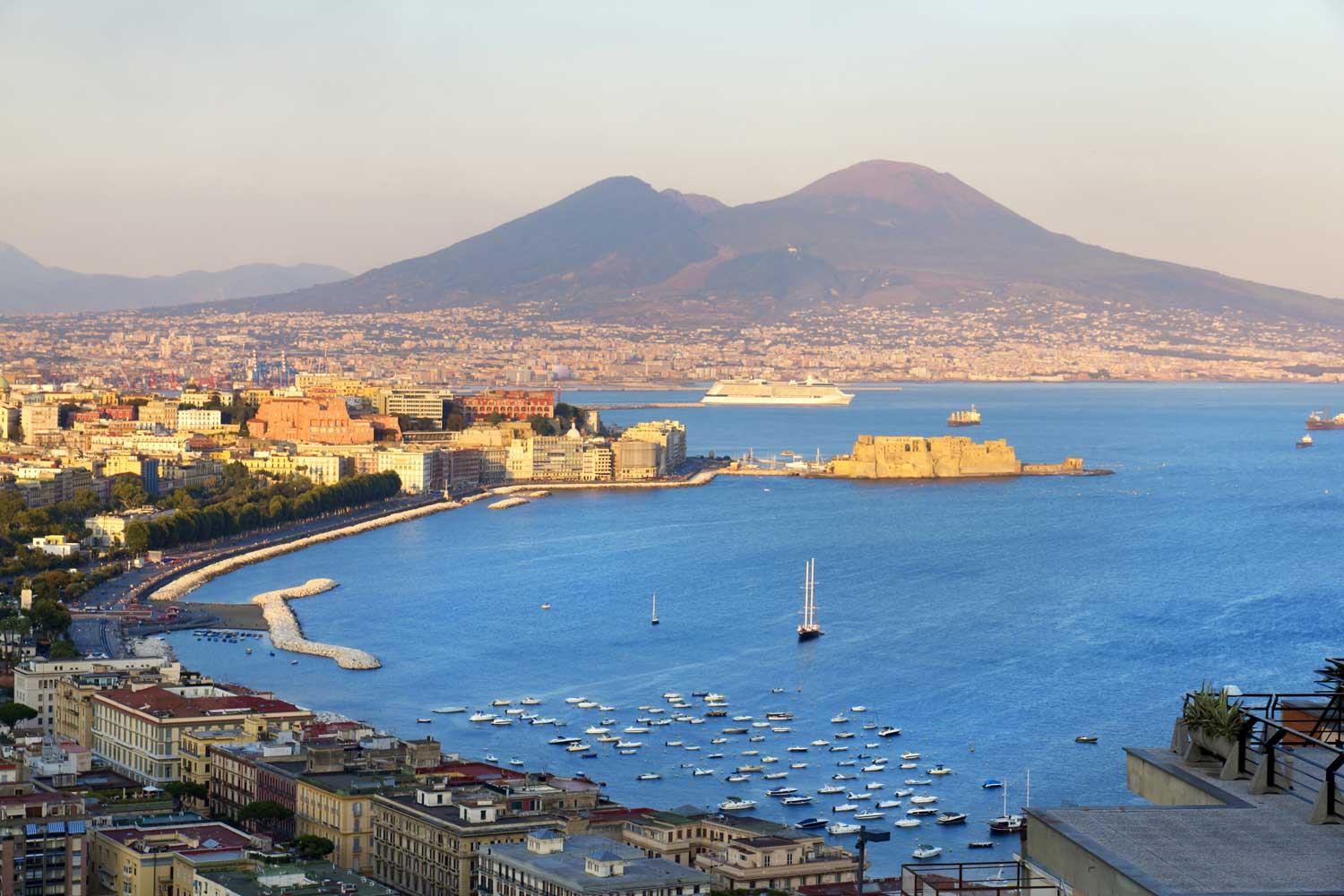 Naples, belle et persuasive scugnizza