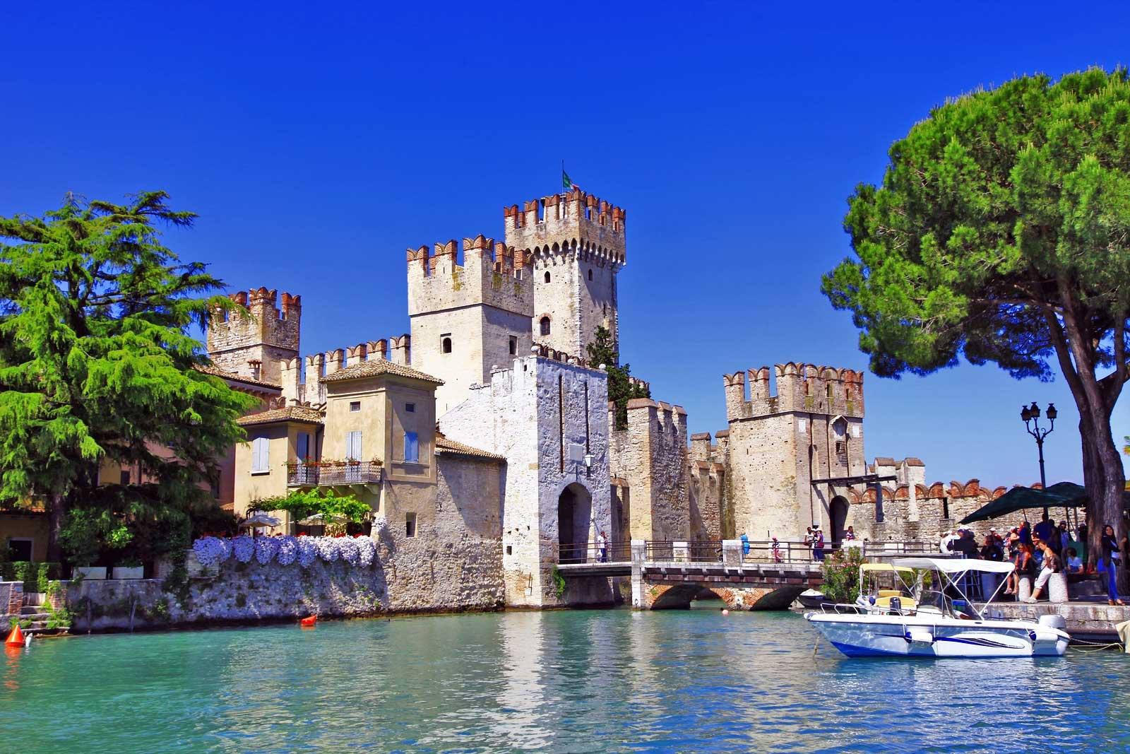 castello sirmione lago di garda